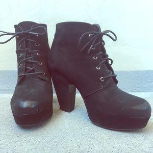 Steve Madden black leather platform heels